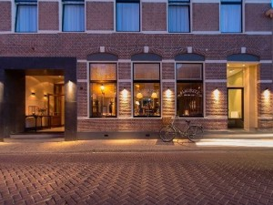 Mauritz Grand Cafe, Restaurant, Salon & Hotel, Willemstad