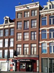 A train hotel amsterdam direkt buchen for Train hotel amsterdam