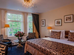 good rooms with all modern amenities, most overlooking the canal