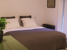 Double room with shower and toilet. Terras.